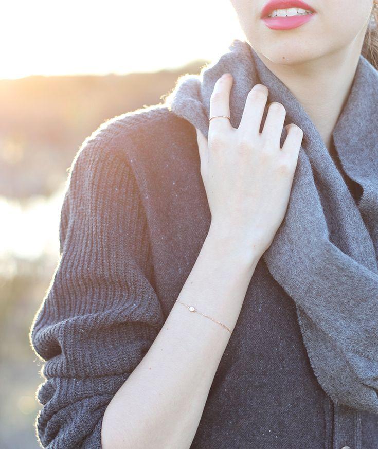 Delicate rose gold jewelry | emiliechevrier.com