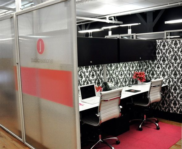 Not your average cubicleWork, Offices Design, Black And White, Offices Spaces, Decor Spaces, Offices Cubicles, Home Offices, Cubicles Decor, Average Cubicles