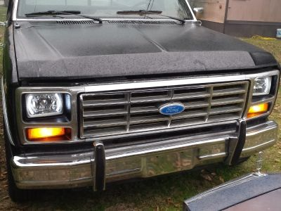 Eddie's 1986 Ford F150 with White LED Sealed Beam Headlight Conversion