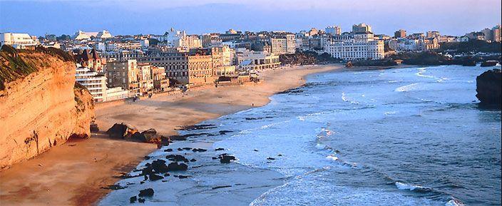 Biarritz ...La California di Francia ... http://www.iviaggidelgoloso.net/2013/06/localita-estive-biarritz-la-california.html