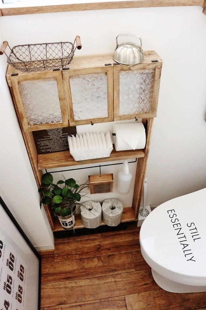 ●DIY*狭いトイレに一石三鳥な棚を、セリア×端材で。ディスプレイ収納のススメ● | ・:*:ナチュラルアンティーク雑貨&家具のお部屋・:*