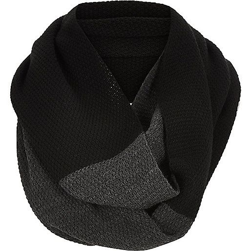 Two colour twisted snood http://bit.ly/1ldpEjJ