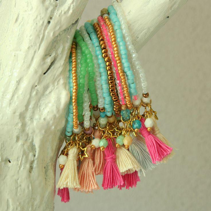 Atelier Balila zomerse armbanden met kwastjes