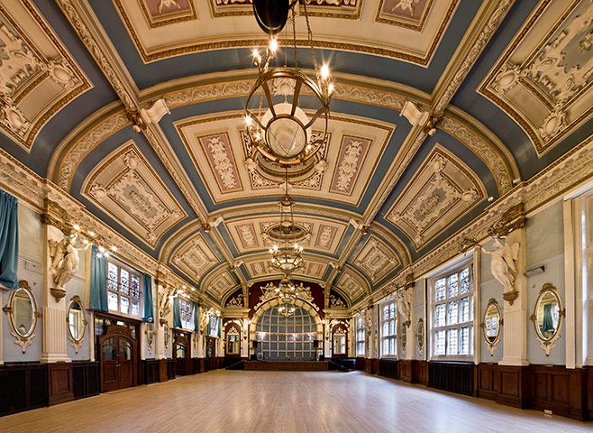 Credit: Derek Kendall Finsbury Town Hall, Islington: Designed by Charles Evans-Vaughan, the hall was built in two stages. T...