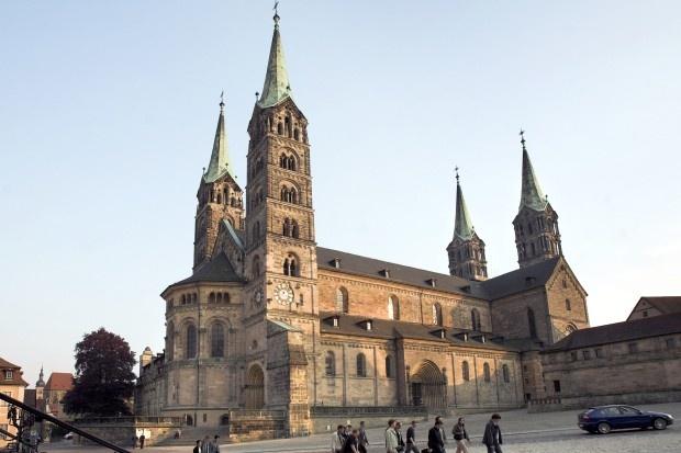 Bamberger Dom: Das schoenste an Erlangen ist Nuernberg - Bamberg. Naja, ganz so wahr ist das doch nicht!