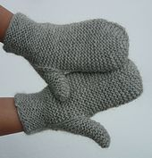 Ravelry: Silver Mittens pattern by Marina Gribovod.  So simple, they're quirky!  From http://www.ravelry.com/patterns/library/silver-mittens