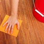 Limpar a madeira com vinagre e azeite