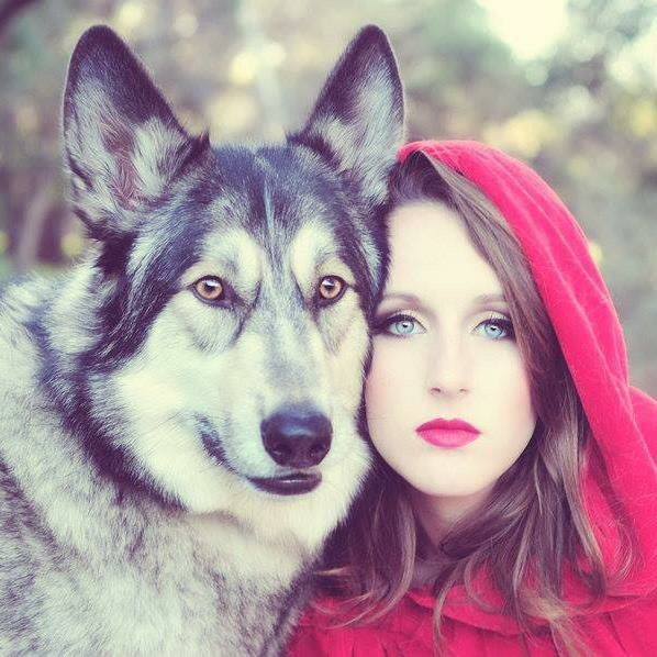 Best Red Riding Hood Images On Pinterest Hoods Red Riding - Photographer captures fairytale like portraits women animals
