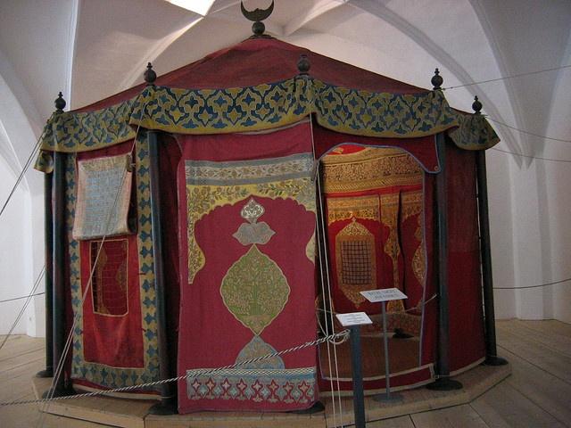 Living-tent of the Turkish Grand Vizier of Suleiman around 1650.