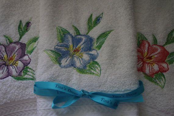 Set of three beautiful 100% Face/Wash Cloths. by TinasDecor
