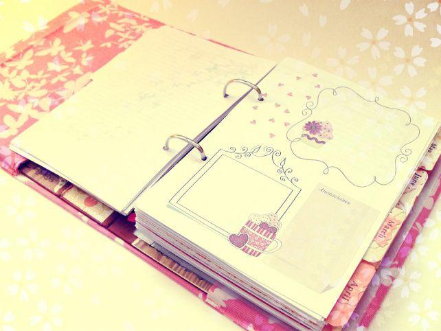 Cada mañana tengo que leer mi agenda para ver las tareas que tengo que hacer en el trabajo