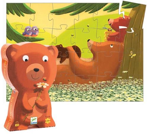 """Puzzle  """"Urso """" - 24 Pcs  -  Da mais reconhecida colecção de puzzles a nível internacional, apresentamos duas novas ilustrações para os mais pequeninos se iniciarem na arte e no prazer de fazer um puzzle.    Idade: + 3 Anos      €12.95"""