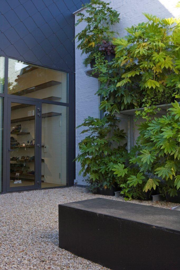 Bart & Pieter | Tuinarchitectuur - vertikale tuin op industrieel rek