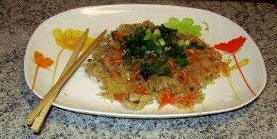 Корейская кухня: обжаренная лапша (фунчоза) Чапче