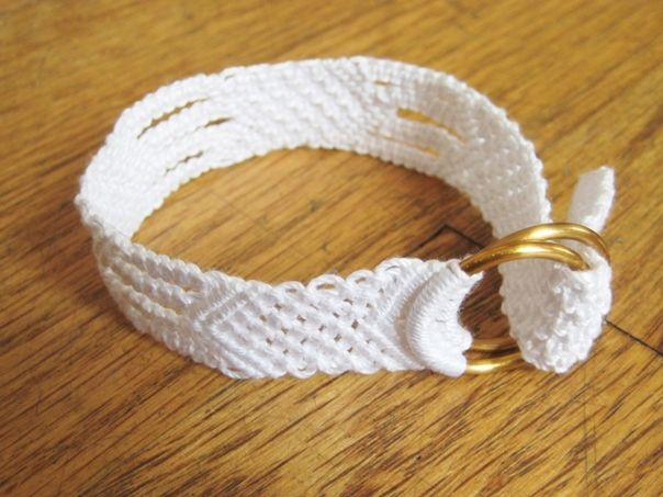 Wonderful DIY White Cotton Macrame Bracelet | WonderfulDIY.com