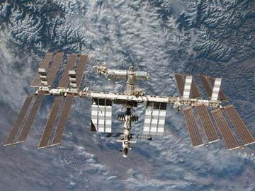"""The Indo-Asian News Service (7/29) reported that an ISS experiment has successfully created """"cool flames"""" that could lead to more efficient and cleaner engines on Earth, according to Forman Williams of the University of California, San Diego."""