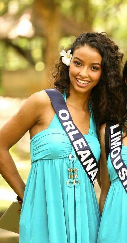 http://beautiful-boucles.com/flora-coquerel-miss-france-2014-les-boucles-de-la-victoire/ Retour sur les looks bouclés de Miss France 2014 !