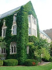 The exterior of the Notre Dame law School Buildiing
