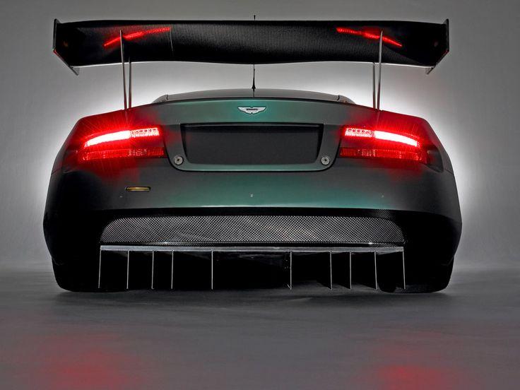 Aston Martin DBR9 - rear view