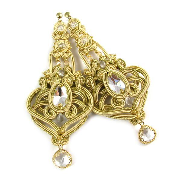www.pillowdesign.pl #bride #bridal #jewelry #bridaljewelry #ślub #biżuteriaślubna #kolczykiślubne #ecru #złoty #wedding #bridalearrings #weddingearrings #pannamłoda #wesele
