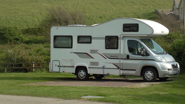 MOTORHOME CAMPING PORTH BEACH TOURING PARK, CARAVAN CAMPSITE, NEWQUAY, C...
