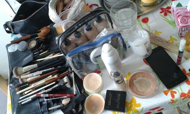 Účes a make-up ladíme dva týdny před svatbou :)