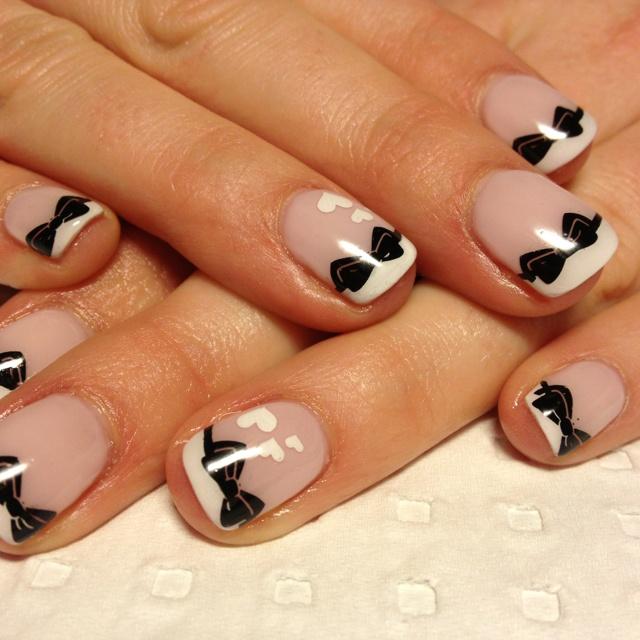 yessss.: Nails Art Ideas, Bows Ties, Nailart, Nails Design, Bows Nails, Shorts Nails, Summer Outfits, Bowties, French Tips