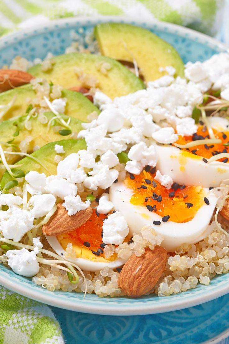 Quinoa, Yumurta ve Avokado Süper Yemek Kahvaltı Kasesi