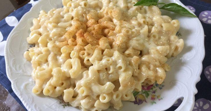 アメリカのテイラーさんが大好きなおばあちゃんの作ってくれるチーズマカロニです。温かくても冷めても美味しいです。