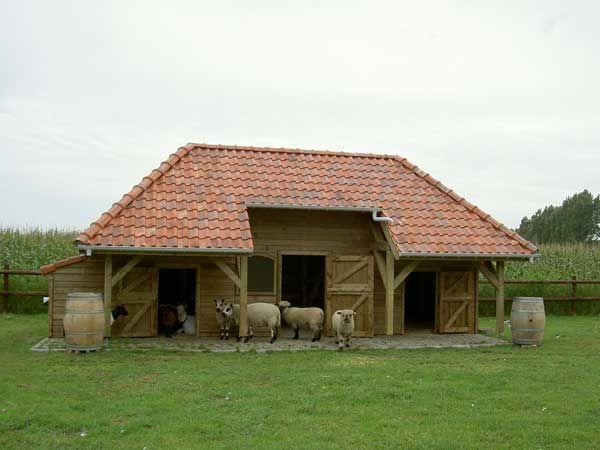 houten-schapen-stal-geheel-klaar