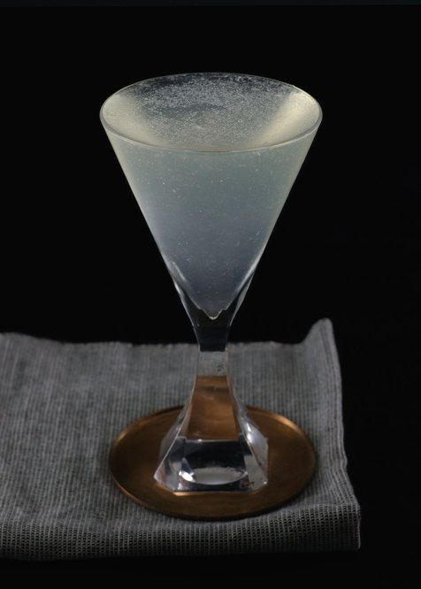 Airmail    Tuxedo No.2   rum, champagne, lime juice, simple syrup