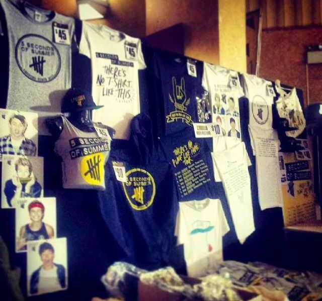5sos merch...>> omg!!! love!!!!!!
