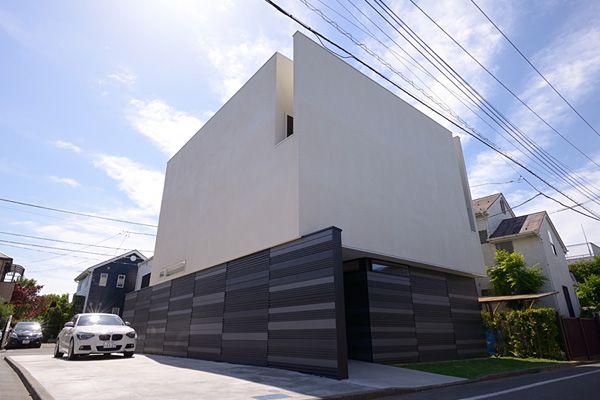 水庭のある家|中庭|バーベキューテラス|ガルバリウム|白い家|注文住宅・自由設計・建築家と建てる家|アーキッシュギャラリー