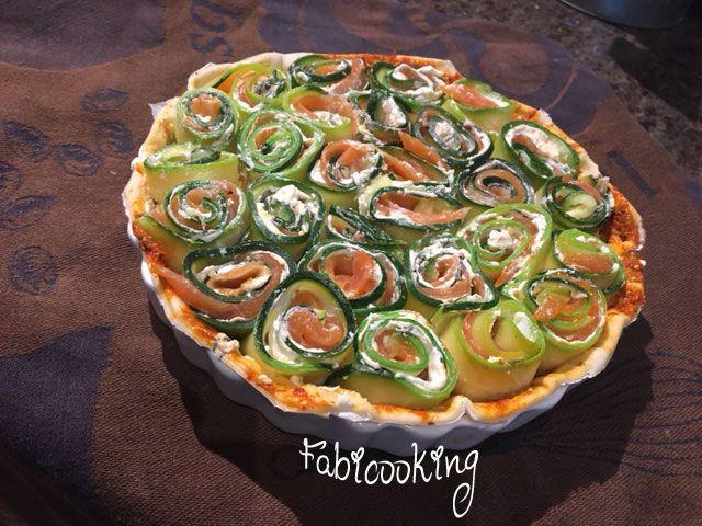 Elegante et absolument délicieuse, cette tarte courgettes saumon fumé sera la recette de l'été pour tous.
