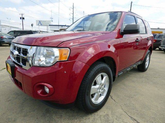 Escape High Prices! Don't Miss Out on this Texas-Owned 2011 #Ford #Escape XLT V6 4x2 #SUV with 89K, Sunroof & a Clean Title Now Just $7,998! -- http://www.hertelautogroup.com/2011-Ford-Escape/Used-SUV/FortWorth-TX/9023391/Details.aspx  #fordescape #firstcar #goodcar #smallsuv #hondacrv