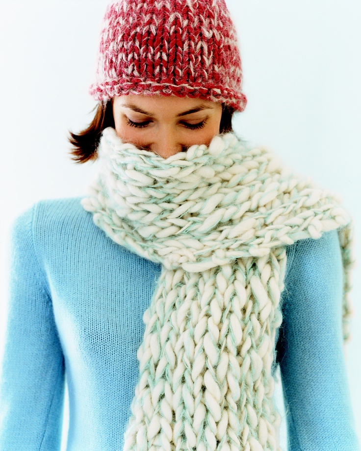 Easy Knitting Patterns For Hats And Scarves : 17 Best images about Knit-aholic - Cowls and Scarves on Pinterest Cable, Co...