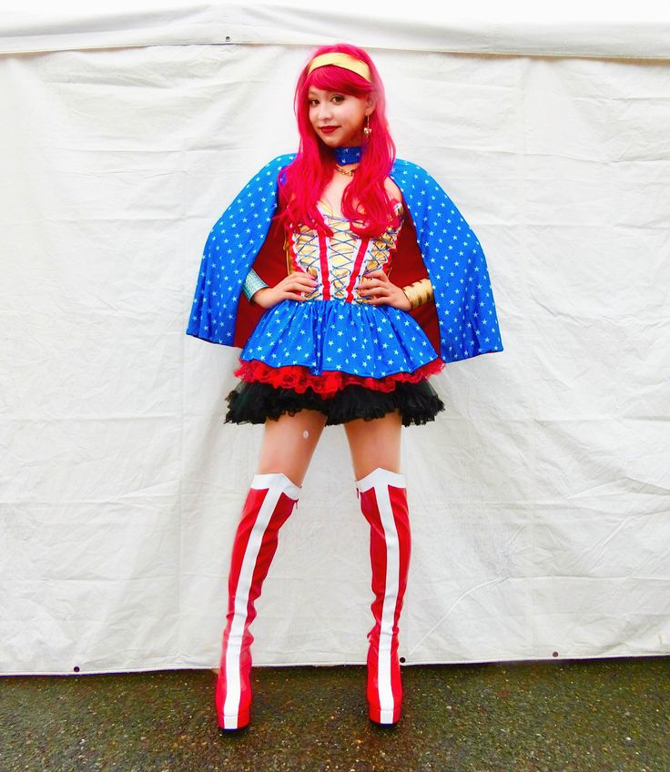 Halloween ワンダーウーマンよ #halloween#wonderwoman #tspook#ハロウィン#仮装#ぺえ #ワンダーウーマン#見て美脚 #赤髪のワンダーウーマン#戦う女