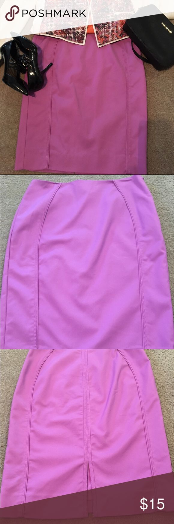 """WHBM purple pencil skirt This skirt is from their """"perfect form"""" line. The color is almost lilac. The seams in front and back are very flattering. It's fully lined and machine washable. Fabric is cotton, nylon and spandex. White House Black Market Skirts Pencil"""