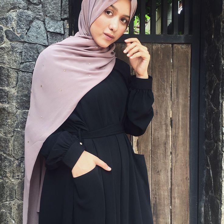 #crystalhoojab #vivizubedi #hoojab #zubedi #abaya #ootd #hijabstyle #hijab #hijabstyle #inayah