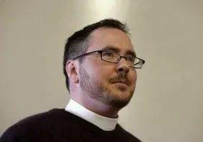 EM DEFESA DA FÉ APOSTÓLICA: TRANSGÊNERO PREGA NA CATEDRAL DA IGREJA EPISCOPAL