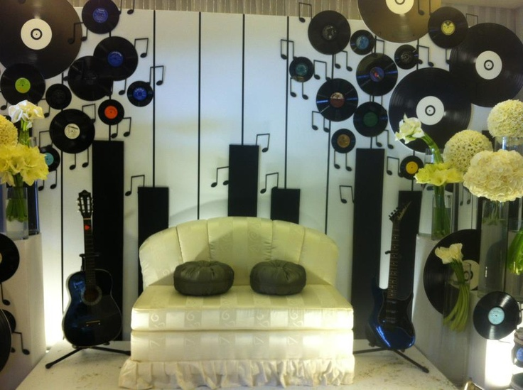 Music Themed Party Decorations Ideas Part - 36: Easy To Make Backdrop For Music Themed Party Good Idea For Photo Booth