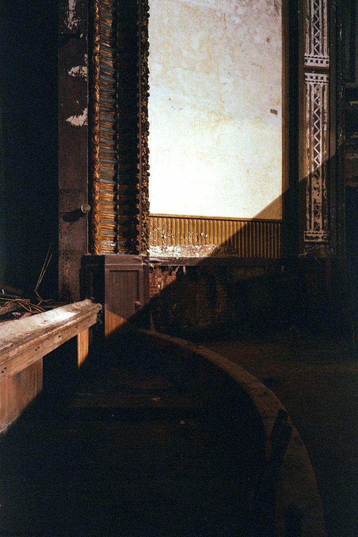 Opuszczona kamienica 4be1223dcf2ac838fbc52dd6a5857595--massachusetts-abandoned
