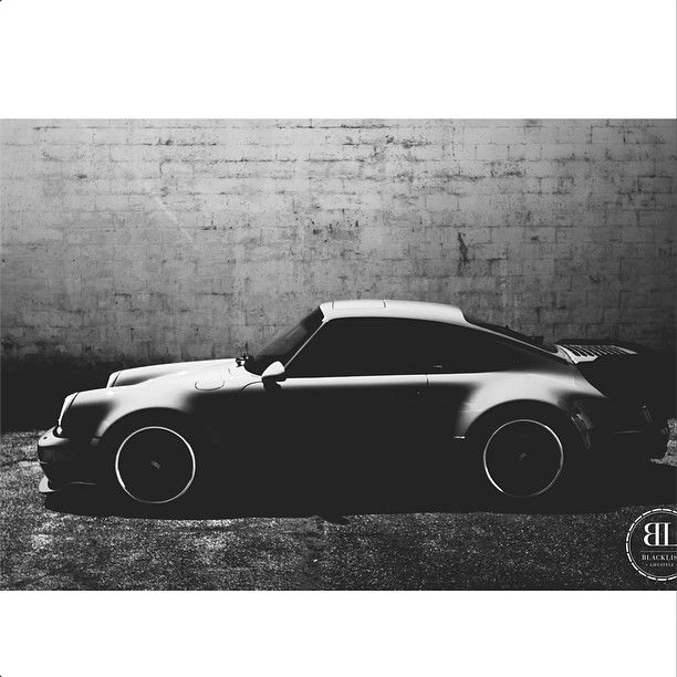 Porsche 965 curves | Photo by @elliott_heigel | #blacklist #porsche #965 (via http://instagram.com/p/rvXTCrGBib/?modal=true )