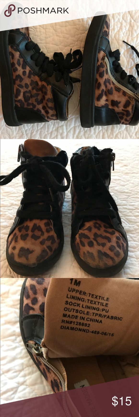 Steve Madden Kids Shoes For that touch of trend that you have been looking for to pair with your little one's jeans or dresses. Zipper closure. Steve Madden Shoes Sneakers