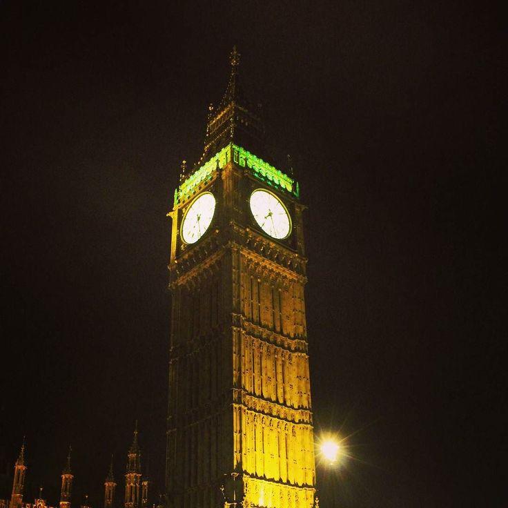 ビッグベン すごい綺麗な時計塔でした!!! ピーターパン出てきそう(>艸<) #イギリス#ロンドン#London#ビッグベン#BigBen#時計塔#夜景 by ariii2406