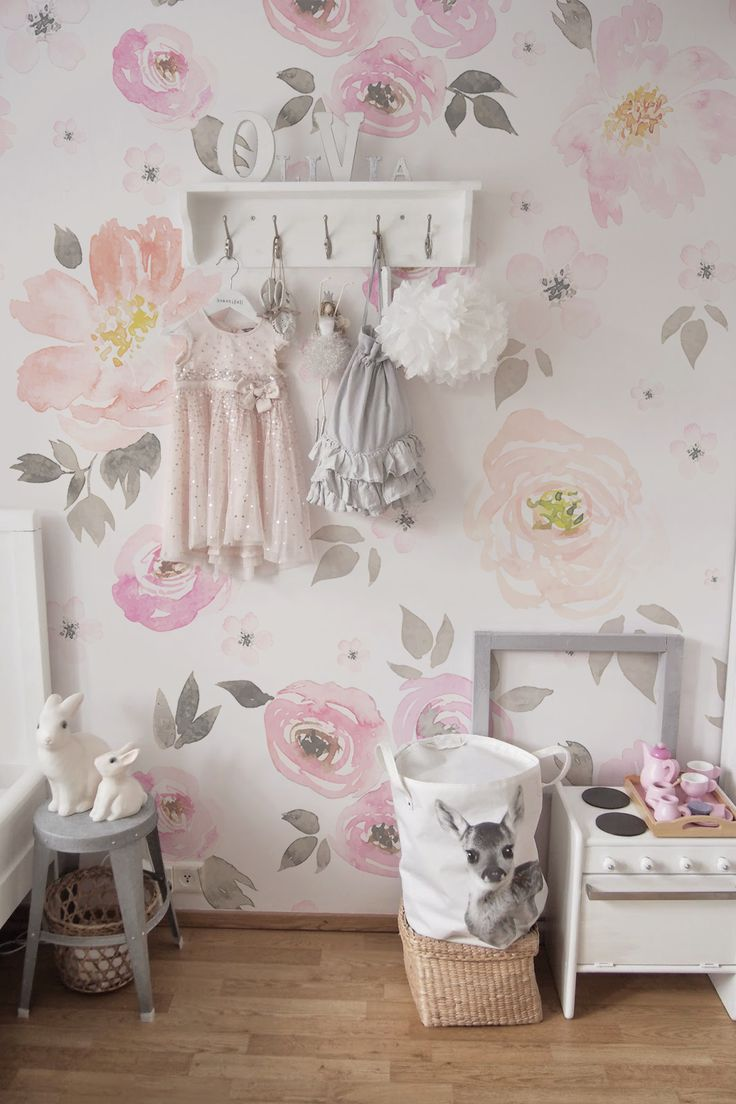 Lovely Vintage Floral Wallpaper   Removable Wallpapers • Peel and stick wall murals • Temporary wall covers • Easy stick wall paper • COLORAYDECOR.com