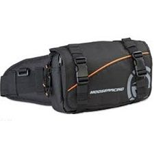 MOOSEQUALIFIER PACKMade with rugged yet flexible 600 denier materialDesigned to accept Utility Belt PackQuick release belt buckle easily adjusts and locks the main strapFits waist sizes 71cm-121cm (28''-48'')Front fold-down flap protects your gear from the elementsWorks well for a race-support technician, a trail-marking bag or a mechanic's helperContents not includedQUALIFIER PACK  3512-0102