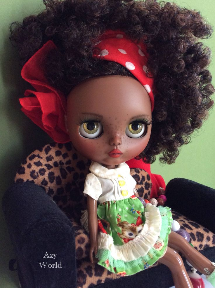 OOAK Custom Blythe doll made by Azy World artist. New dark skin tone doll for adoption on  etsy.me/2EjeJDp #blythe #customblythe #blythedoll #blytheforadoption #afrodoll #ooakdoll
