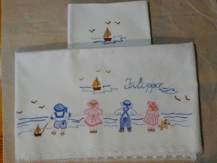 Lenzuolino per lettino bebè con nome bimbo - elviab - Più
