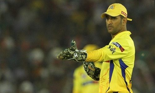 MS Dhoni Loses Cool on Ravindra Jadeja During IPL 8 - http://www.tsmplug.com/cricket/ms-dhoni-loses-cool-on-ravindra-jadeja-during-ipl-8/